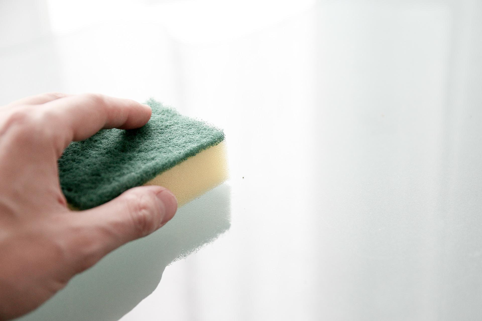 Comment nettoyer sa porte d'entrée en bois? post thumbnail image